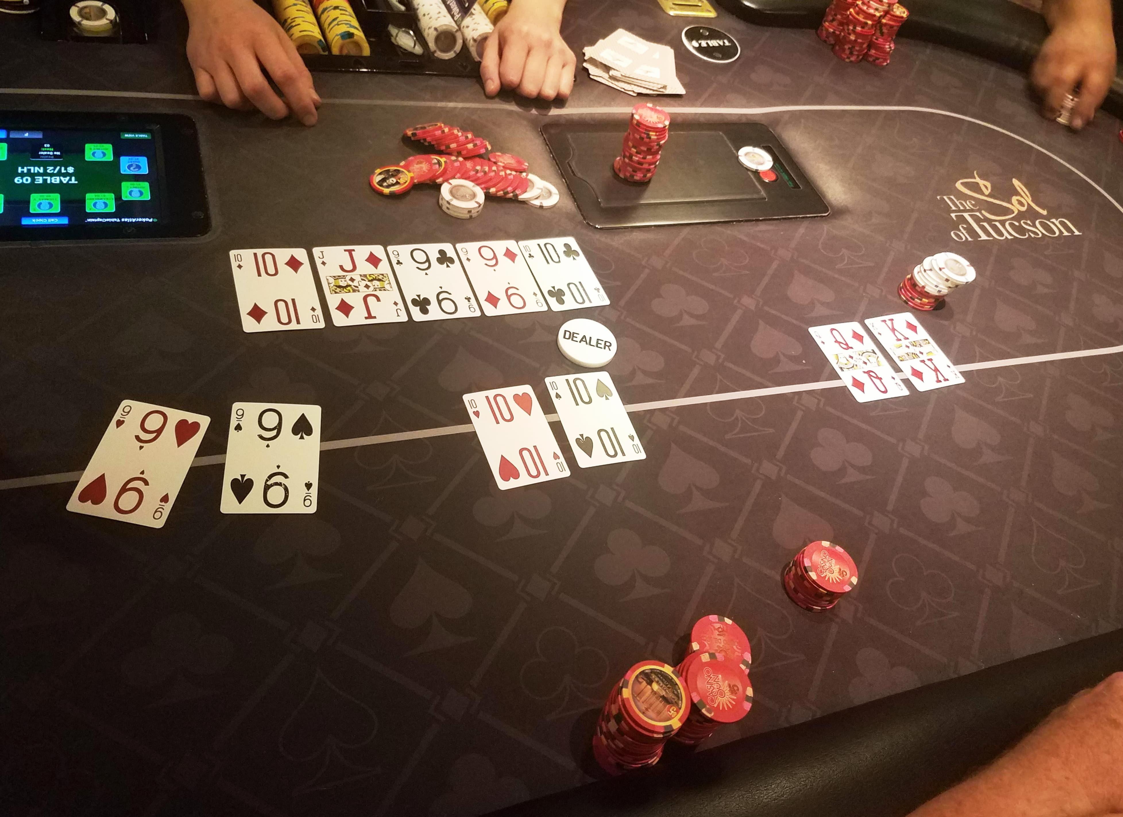 111 bezmaksas griezieni bez iemaksas Treasure Island Jackpots Casino (Sloto Cash Mirror)