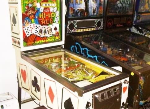 685% Tilmeld casino bonus på Emu Casino