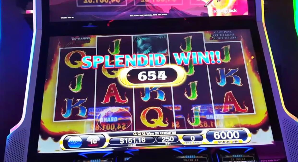 €325 Free Chip at Casino com